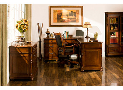 Raymour And Flanigan Executive Desk