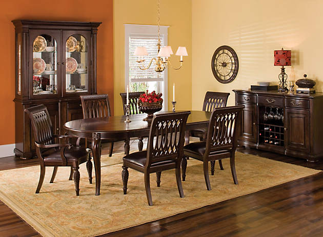 What Shape Rug Works Best For Round Kitchen Tables